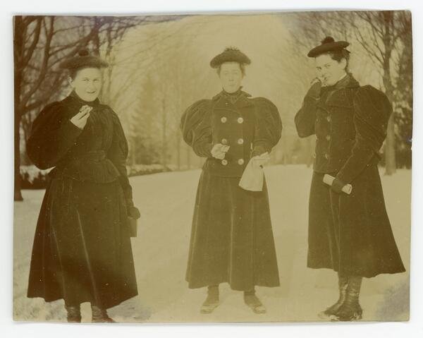 Anna M. Haas and other students from the Bryn Mawr College class of 1898